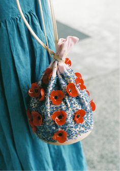 Image in fashion collection by ✙ on We Heart It Ideas For Photoshoots, Diy Fashion, Fashion Bags, My Bags, Purses And Bags, Beaded Bags, Embroidery Techniques, Diy Clothes, Sewing Patterns