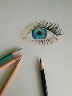 blue eyes looks like a combination of a real eye with some colored pencil. Trick of the eye! Lol