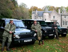 Land Rover Idéal pour la chasse #4x4 #lifestyle #chasse Groupe Dugardin http://www.dugardin.com/voitures-neuves/voiture-neuve-land-rover.html