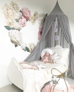 We are fully restocked with beautiful Spinkie Baby canopies  These are lush and so good for adding some height into your room styling. Pic from our wonderful supplier @spinkiebaby xx