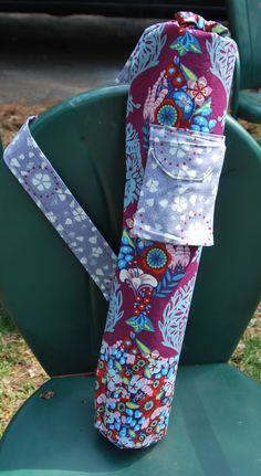 19 Ideas For Yoga Mat Carrier Pattern Mk Bags Yoga Bag Pattern, Yoga Mat Bag, Yoga Mats, Yoga Accessories, Yoga Fashion, Best Yoga, Pattern Books, Handmade Crafts, Floral Design