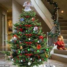 Animated Christmas Tree & little girl gif