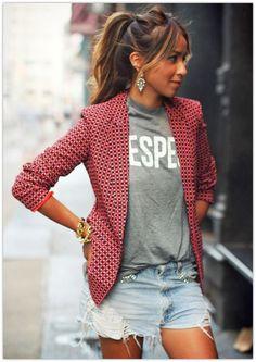 blazer + camiseta + short jeans