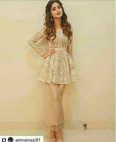 Pakistani Fashion Casual, Pakistani Dresses Casual, Indian Fashion Dresses, Pakistani Dress Design, Indian Designer Outfits, Indian Outfits, Pakistani Frocks, Pakistani Party Wear, Pakistani Couture