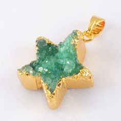 Star Green Agate Druzy Geode Pendant Bead Gold Plated H65530