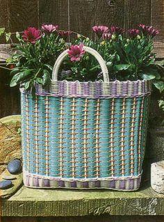 Cute planter (A Touch of Nostalgia) via Particular Poetry
