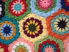 Tamaño de la reina de la abuela cuadrados Crochet afgano