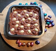 Recept zelfgemaakte fudge met paaseitjes Burgertrutjes Rocky Road, Easter Recipes, Party Snacks, Candy Recipes, Cupcake Cookies, Tapas, Catering, Yummy Food, Sweets