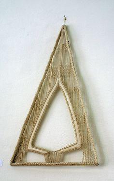 Monique Saquet. Interesting blog with a lot of bobbin lace inspirations.