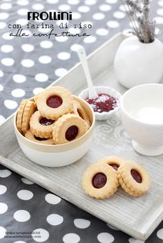 Biscotti Biscuits, Biscotti Cookies, Cake Cookies, Dessert Book, Cake & Co, Food Humor, Yummy Cakes, Italian Recipes, Cookie Recipes