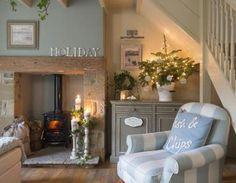 Lavender Cottage in 25 Beautiful Homes. You may remember me telling you about a photo shoot I did last year at Lavender Cottage? Lounge Decor, Lounge Ideas, Cosy Lounge, Cottage Living Rooms, Home Living Room, Cosy Living Room Decor, Rustic Living Rooms, Cozy Living Room Warm, Cottage Lounge