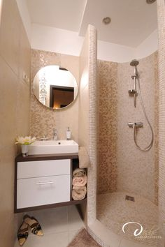 Mini morris Mini fürdő, épített zuhany mozaikkal