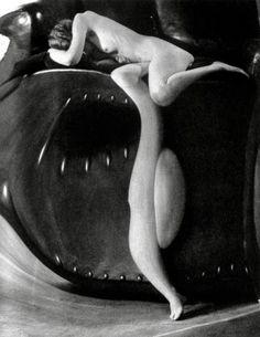 Distorsion (c) André Kertész