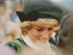 Unseen, lost and forgotten pictures of royals including the Queen, Princess Diana and Kate Middleton are being released in a book to mark Prince Harry and Meghan Markle's wedding. Prince Harry Diana, Meghan Markle Prince Harry, Prince Harry And Meghan, Princess Videos, Princess Diana Pictures, Victoria Reign, Queen Victoria, Royal Family Pictures, Family Photos