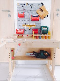 Crafts for small children, screwing screws in and out, lashing down - Kinderzimmer Licht Box, Shoe Rack, Wedding Styles, Bed, Furniture, Home Decor, Children Crafts, Dress Ideas, Diy Ideas