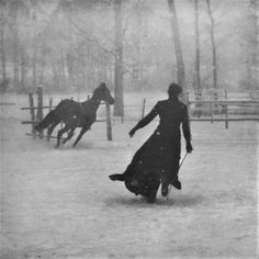 Snowy Scene Horse and Woman Running Snow Snowfall Woods Forest Moon Light Old 1899 Vintage Black and White Victorian Photography Photo Print Vintage Pictures, Old Pictures, Old Photos, Vintage Abbildungen, Vintage Black, Vintage Winter, Fotografia Social, Victorian Photography, Foto Art