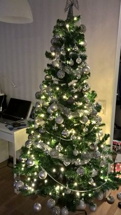 Veeran joulukuusi 2014 Christmas Tree, Holiday Decor, Home Decor, Teal Christmas Tree, Holiday Tree, Xmas Tree, Interior Design, Home Interior Design, Home Decoration