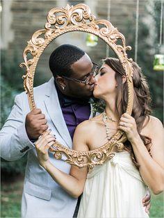 framed kiss | wedding portrait ideas | garden wedding ideas | kiss | #weddingchicks