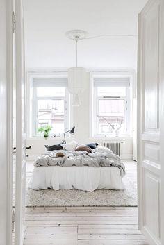 A Bright Scandinavian Apartment in Gothenburg (Gravity Home) Home Decor Bedroom, Interior Design Living Room, Night Bedroom, Bedroom Ideas, Budget Bedroom, All White Bedroom, Master Bedroom, Gravity Home, Scandinavian Apartment