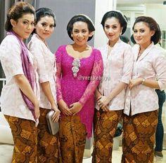 Blush Kartini cuts for Midodareni by Indonesian Designer VERA ANGGRAINI