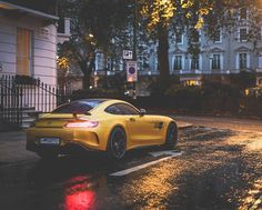 Solarbeam yellow should be the only colour on a AMG  #amg#solarbeamyellow#amggtr