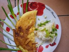 Healthy and easy breakfast: scrambled eggs recipe with ramson