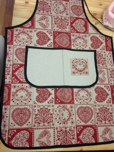 Nearly complete apron