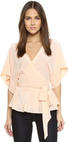 Ruffled wrap v neck kimono top. Gorgeous flowy top. Yumi Kim That's a Wrap Top