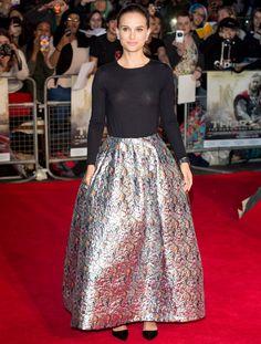 La splendide Nathalie Portman a choisi une élégante jupe Dior
