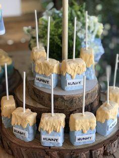 #honeycomb #backdrop #birthday #winnie #krispy #treats #party #pooh #kids #rice #diy #the #forDIY Winnie the Pooh Honeycomb Backdrop for Kids Birthday Party Winnie the Pooh rice Krispy treatsWinnie the Pooh rice Krispy treats