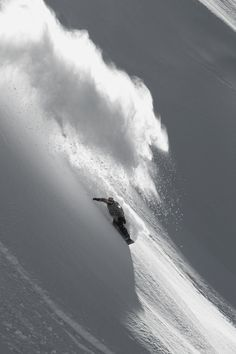 Amazing winter and snowboard photography Ski Extreme, Extreme Sports, Ski Et Snowboard, Snowboard Equipment, Snowboarding Photography, Windsurfing, Snow Skiing, Whistler, Winter Fun