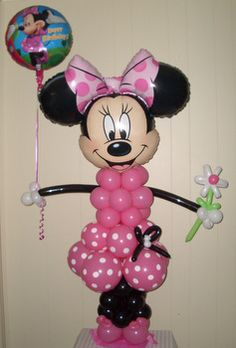 Minnie Mouse created from balloons! Minnie Mouse Theme Party, Minnie Birthday, Mickey Party, Mouse Parties, Birthday Parties, 4th Birthday, Minnie Maus Ballons, Balloon Bouquet Delivery, Balloon Decorations