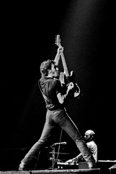 Bruce Springsteen & The E Street Band Elvis Presley, Bruce Springsteen Quotes, Janet Jackson Rhythm Nation, The Boss Bruce, Tunnel Of Love, E Street Band, Dancing In The Dark, Born To Run, Music Icon