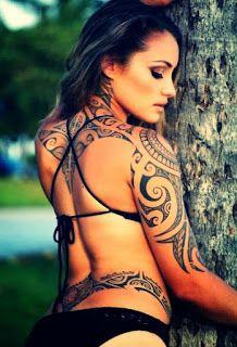 Tatuagem maori no corpo