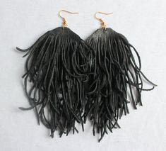 Lange zwarte rode gefranjerde bruinleren oorbellen grote