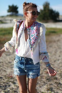 New Ideas For Fashion Style Romantic Boho Chic Estilo Fashion, Look Fashion, Womens Fashion, Fashion Design, Style Hippie Chic, Bohemian Style, Look Boho, Look Chic, Vestidos Neon