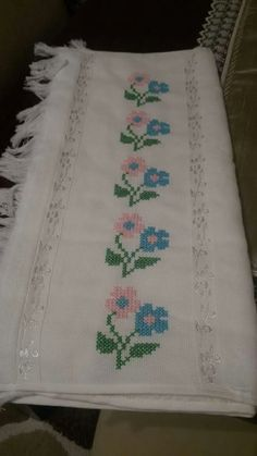 Galeri Cross Stitch Borders, Cross Stitch Patterns, Hand Embroidery Design Patterns, Needle And Thread, Blackwork, Cross Stitch Embroidery, Pattern Design, Diy And Crafts, Projects To Try