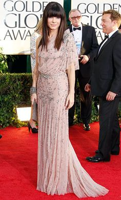 Despite all the criticism, I really liked Sandra Bullock's look for the Golden Globes.