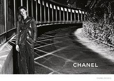gisele-bundchen-chanel-spring-2015-ad-campaign06