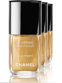 Pretty new nail polish from Chanel in Gold Fingers.
