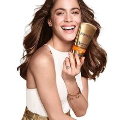 Her smile is so...so..  I don't know how I can define her smile @tinitastoessel