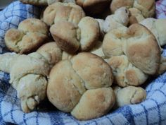 These gluten free, dairy free dinner rolls are delicious!  Great for a special holiday meal or make them whenever you're in the mood for bread.  They're  so easy to prepare!