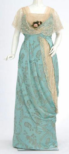 Robe de soirée en satin brocée, ca. 1911-14
