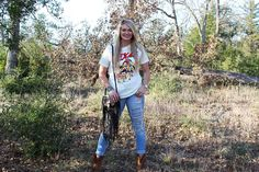 Our Texas Tee pairred with The Original Medium Crossbody available online at www.leatherandvodka.com ! #theoriginal #leatherandvodka