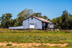 Noondoo Station QLD #rural #rural_love #rurallife #ruralqld #buildings #ruralbuildings #visitqld #dirranbandi #fotoadventures