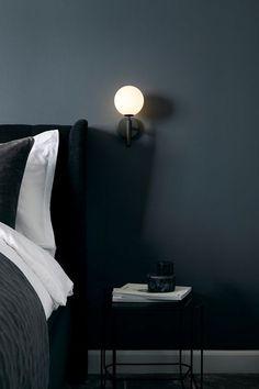 Miira vegglampe fra Nuura er en enkel og tidløs. Den passer fint ved siden av sengen, i en trapp eller over kjøkkenbenken. Glasset er munnblåst i en opal hvit farge.   Mål: Ø 17cm x 28,5  Materiale: Metall/glass  Farge: Rock grey / Opal hvit  Pære: G9 Sconce Lighting, Lighting Design, Nordic Lights, Glass Domes, Danish Design, Design Awards, Scandinavian Design, Glass Shades, Timeless Design