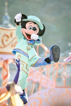 Disney Word, Disney Mickey, Mickey Mouse, Disney Playlist, Disney Characters Costumes, Cute Disney Pictures, Tokyo Disney Resort, Disney Aesthetic, Walt Disney Studios