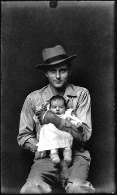 ike Disfarmer née Mike Meyers (1884-1959)