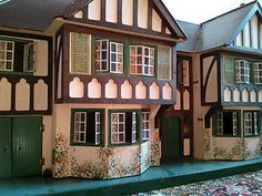 "Triang ""Stockbroker"" Dolls House with contents Antique Dollhouse, Antique Dolls, Vintage Dolls, Small Houses, Little Houses, Kitsch, Childrens Dolls, English Country Style, Old Dolls"