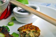 Thaiinspirerte fiskekaker med agurk- og mangorelish